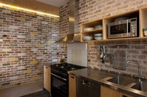 modern fireplace tile 70 ambientes com tijolo aparente unindo charme e rusticidade