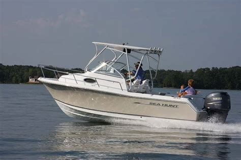 Seahunt Boats by Research 2014 Sea Hunt Boats Victory 225 On Iboats