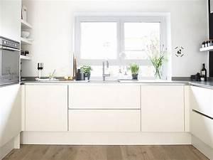 Deckenlampe Küche Modern : k che modern dekorieren ~ Frokenaadalensverden.com Haus und Dekorationen