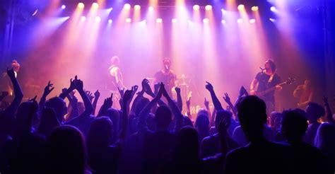 tourism love  song  rhythm puts fans