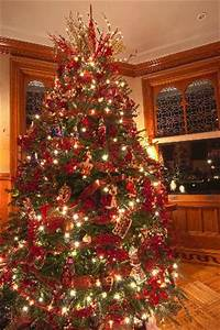 Gorgeous dining room Christmas tree Picture of Stetson