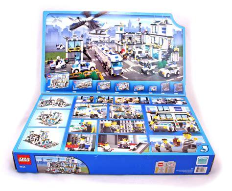 Police Headquarters  Lego Set #77441 (nisb) (building