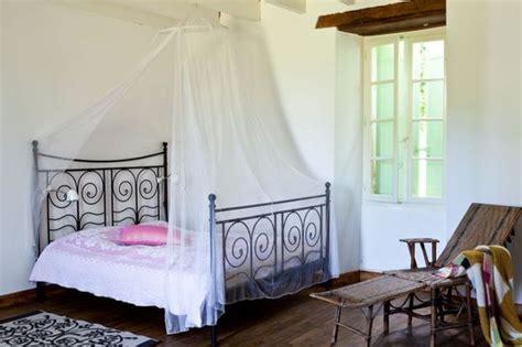 chambre fer forgé decoration chambre avec lit fer forge visuel 4