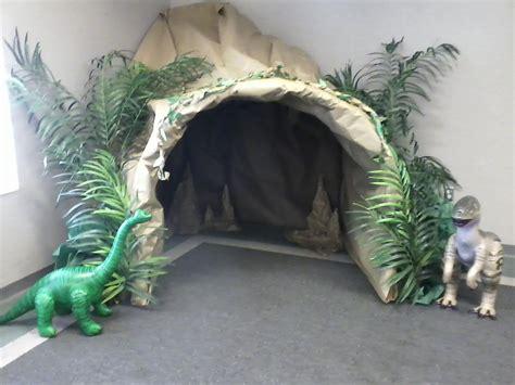 Kinderzimmer Junge Dino by H 246 Hle F 252 R Das Dinosaurier Kinderzimmer Tolle Deko F 252 R