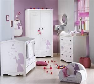Chambre Bébé Disney : chambre d 39 enfant ambiance princesse disney aubert disney baby ~ Farleysfitness.com Idées de Décoration