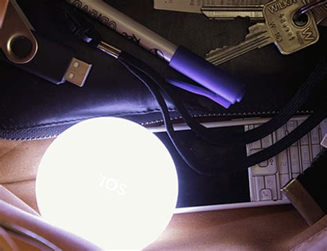 purse lights up inside bag light soi illuminates that dark crevasse inside your