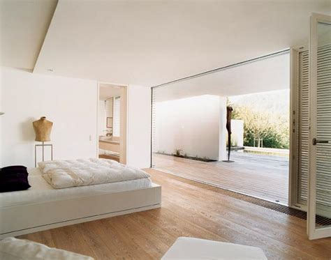 rahmenlose glasfront im schlafzimmer bild  schoener