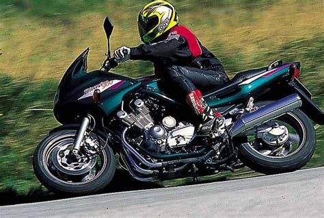 xj 900 diversion yamaha xj900 diversion 1994 2004 review mcn