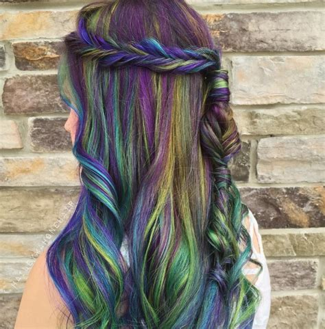 This Peacock Hair Colour Trend Is Going Viral All