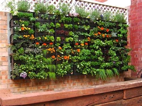 vertical pallet garden pallet vertical garden 16 do it yourself ideas wooden
