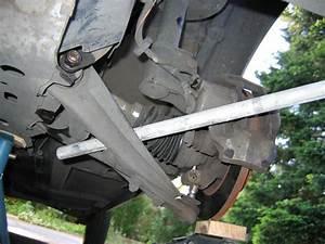 Triangle Scenic 2 : changer triangle de suspension clio 3 blog sur les voitures ~ Medecine-chirurgie-esthetiques.com Avis de Voitures
