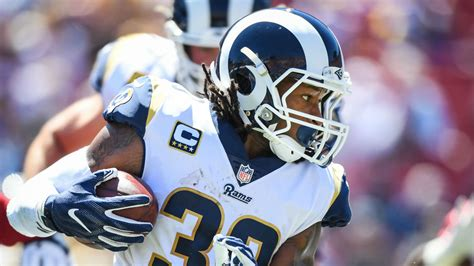 todd gurley injury update rams rb knee reportedly
