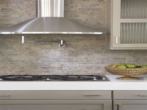 Linear Stone Tiles Backsplash Taupe Gray Kitchen Cabinets
