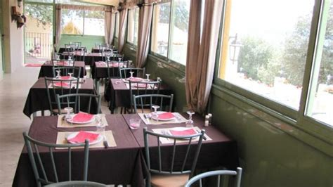 le cafe du port rennes restaurant la reine du ch 226 teau 224 rennes le ch 226 teau 11190 avis menu et prix