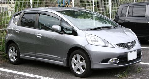 When the 2007 fit makes its debut in honda showrooms on april 20, it will carry a manufacturer's suggested retail price (msrp) of $14,400 with manual transmission, $15,200 with an automatic. File:2007-2010 Honda Fit RS.jpg - Wikimedia Commons