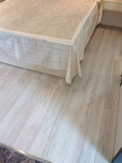 discount porcelain tile wood look 19 best reserva spanish wood looking tile images on pinterest beige retail and retail
