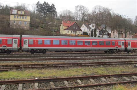 seitenansicht eines wagen des m 252 nchen n 252 rnberg express am 06 januar 2014 in kronach