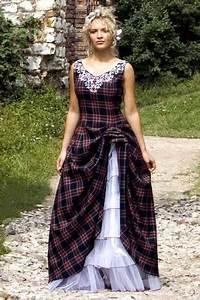 Traditional scottish tartan wedding dress traditional for Traditional scottish wedding dress