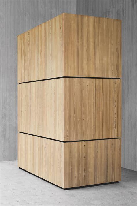 cuisine lineaire armoire de cuisine en bois massif avec four skin