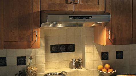 isolation hotte cuisine comment fabriquer une hotte de cuisine en bois mzaol com