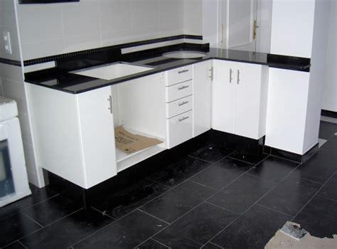 color  material de encimera  esta cocina foros