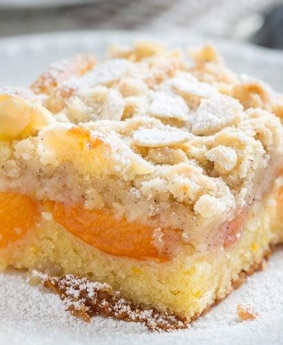 Marcipāna drumstalu kūka ar aromatizētām aprikozēm - Pie ...