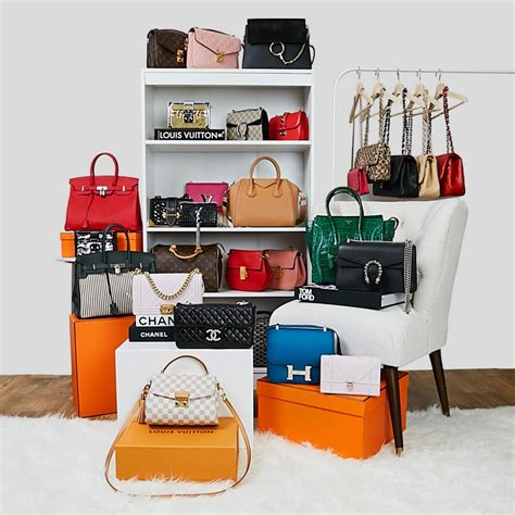 Luxury Closet Handbags by 18 Designer Handbags You Need To See Yoogi S
