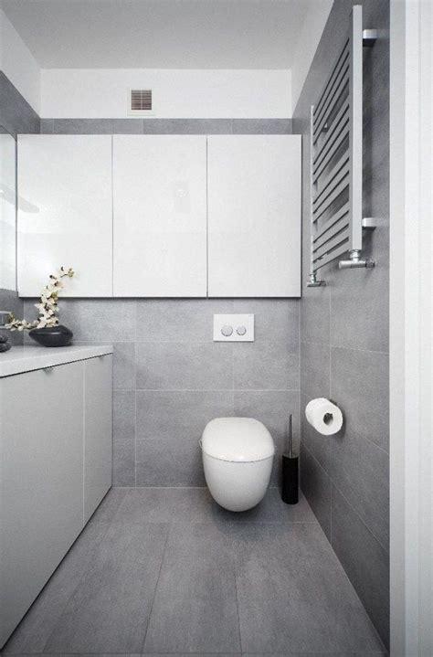 Weiße Fliesen Badezimmer by Badezimmer Modern Einrichten Graue Fliesen Wei 223 E Badm 246 Bel