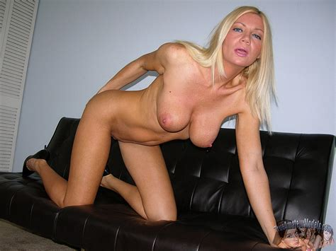 amateur blonde milf Christina Modeling nude And Spreading Ass pichunter
