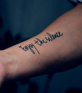 Phrase Tatouage Sur La Force : tatouage 200 mod les et id es pour un tatouage femme ~ Melissatoandfro.com Idées de Décoration