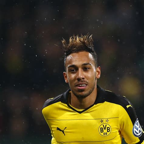 Pierre-Emerick Aubameyang Named 2015 CAF African Player of ...