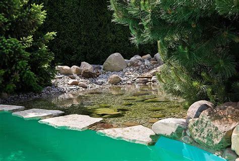 Gartenteich Mit Bachlauf Anlegen 2251 by Bachlauf Wasserspiele Und Quellstein Gartengestaltung