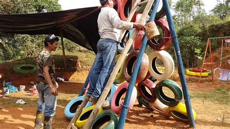parque infantil en gutunum 225 con material reciclable youtube