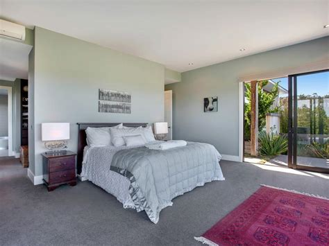 paint colors for bedrooms with gray carpet grey bedroom carpet carpet vidalondon