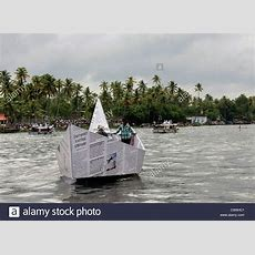 Strange Unusual Funny News Paper Boat In Water During Nehru Trophy Stock Photo 49932513 Alamy