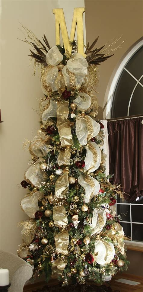 how to put ribbon on christmas tree 152 best tree theme ideas images on la la la centerpieces and decoration