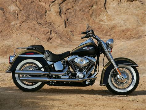 Softail Deluxe  Softail  Galeries Photos Motoplanete