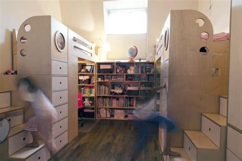 chambre deux lits aménagement chambre deux enfants 25 idées astucieuses