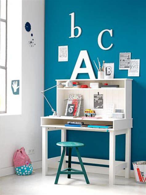 leuk en praktisch bureau voor de kinderkamer