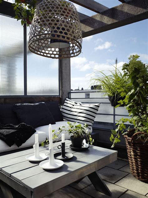 decorate apartment balcony how to decorate a balcony in an apartment