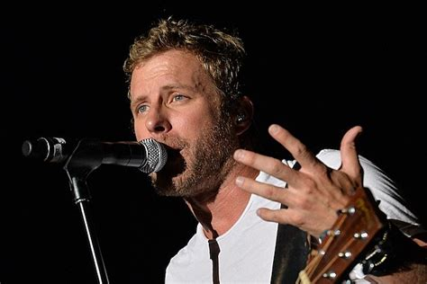 Dierks Bentley Releases New Single, 'i Hold On