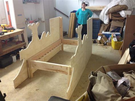 pauls dinosaur train bed  wood whisperer