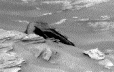 Star Destroyer found on Mars? 'Crashed UFO' resembles ...
