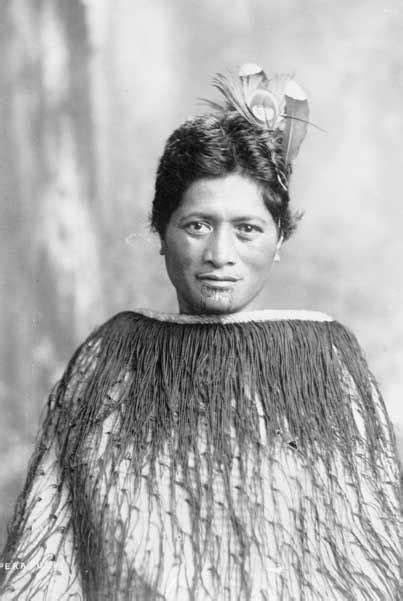 OltaCitozi Wild Kingdom : Maori on women's chin and lips