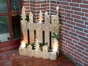 Basteln Mit Paletten : weihnachtsdorf aus einer europalette basteln pinterest christmas christmas wood crafts ~ Eleganceandgraceweddings.com Haus und Dekorationen