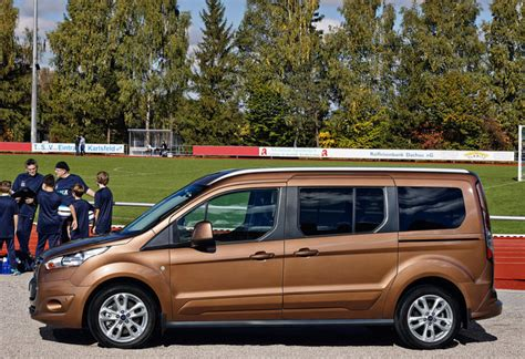 ford tourneo grand connect ford grand tourneo connect 5p fw 1 5 tdci 90kw titanium