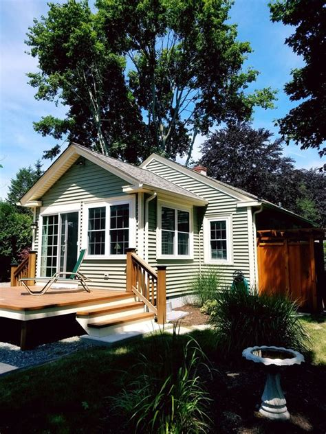 house rentals ri updated cottage w sunroom minutes to newport