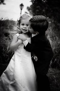 what is photojournalistic wedding photography style With photojournalistic style wedding photography