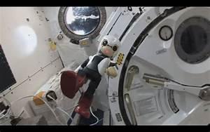 Japan's Robot Astronaut, Kirobo, Says Hello From Space