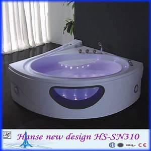 Petite baignoire d39angle en forme de coeur avec le verre for Carrelage adhesif salle de bain avec les lunettes led